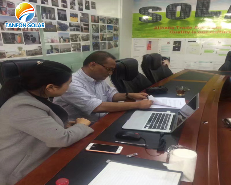 Indonesia customer visited Tanfon Solar Factory